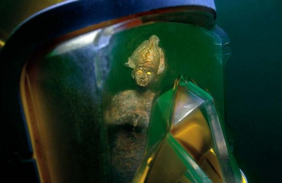 underwater-statues6-580x376.jpg